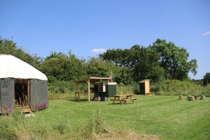 Floral Farm Craft and Camping Retreat 1 Floral Farm Cottage, East Torrington, Market Rasen, Lincolnshire LN8 5SE