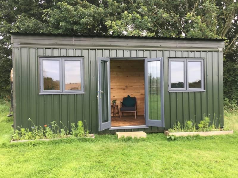 Pete's Field Cabin