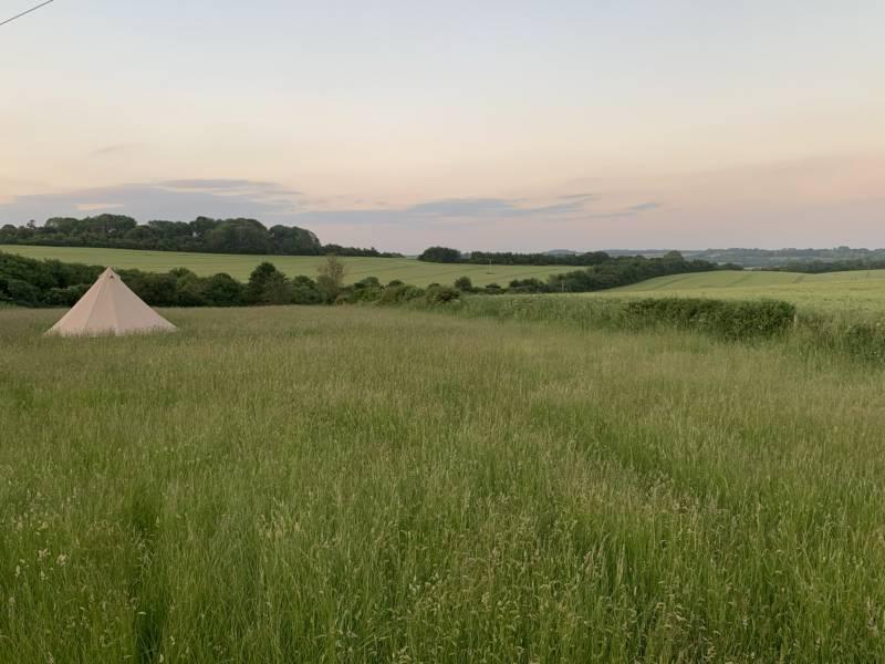 Hillview Farm Glamping Hillview Farm, Pitton, Salisbury, Wiltshire SP5 1EJ