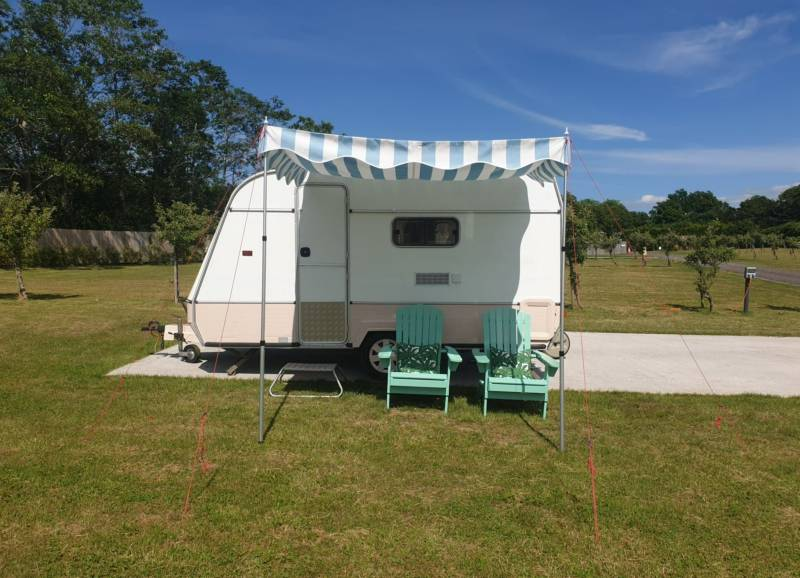 Beverley Thrills Caraglamping Green Gates Caravan and Motorhome Park, Snitterfiled, Stratford-upon-Avon, Warwickshire CV37 0QA