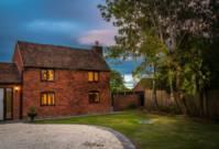 Idyllic Country Cottage Retreat