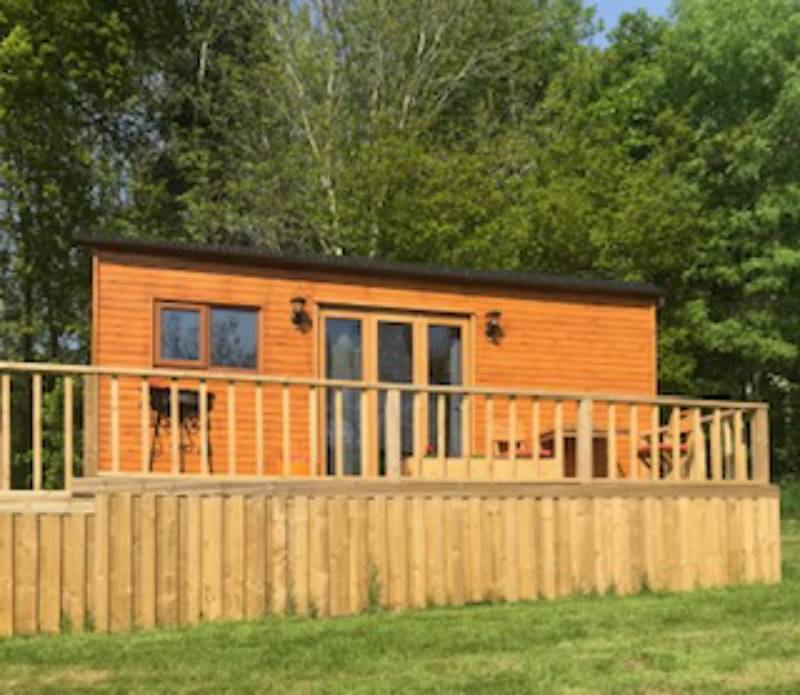 Hopton Shepherds Hut Bank House, Stockhall Lane, Hopton Wafers, Shropshire DY1 40EG