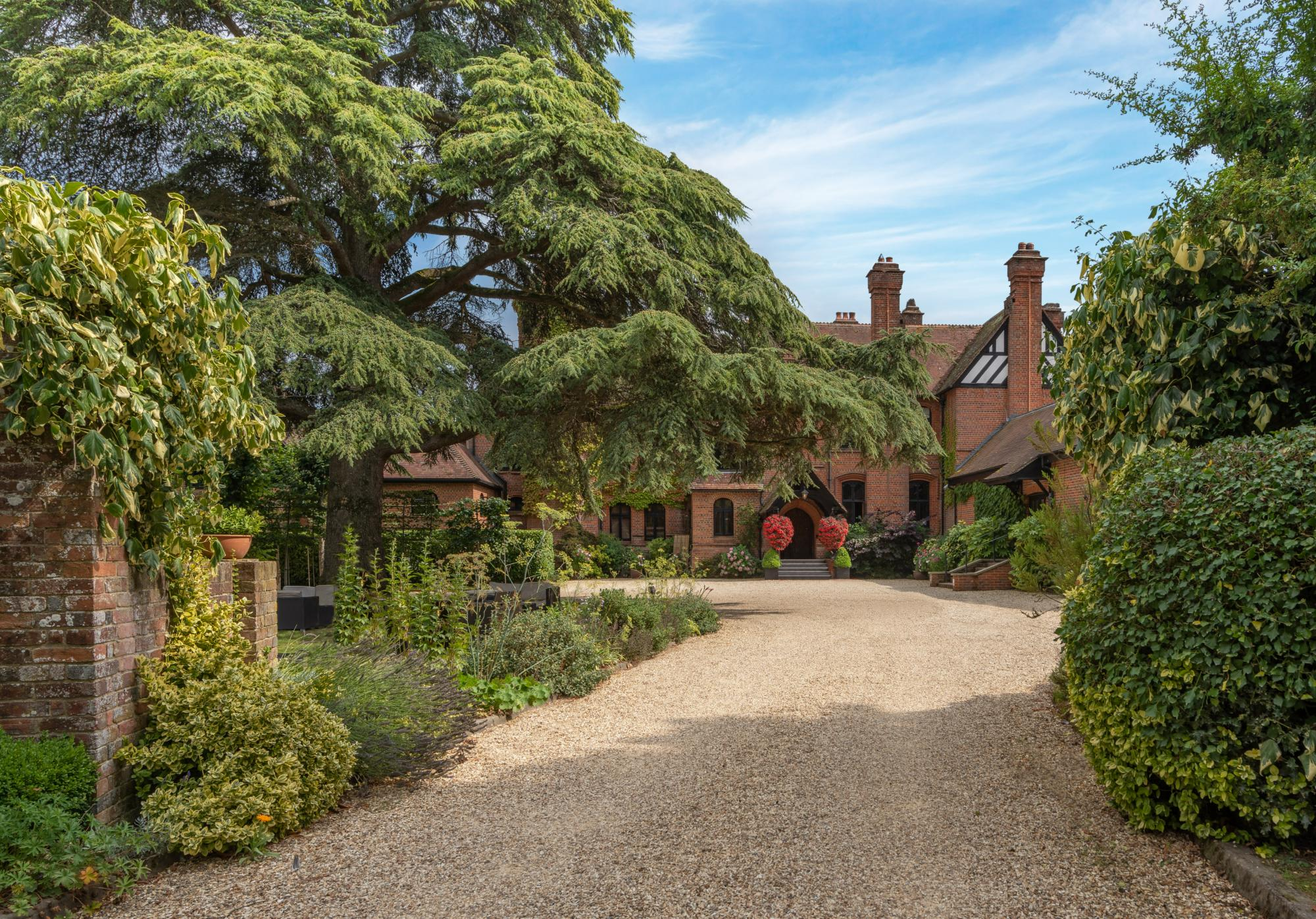 Hotels in Hampshire holidays at Cool Places