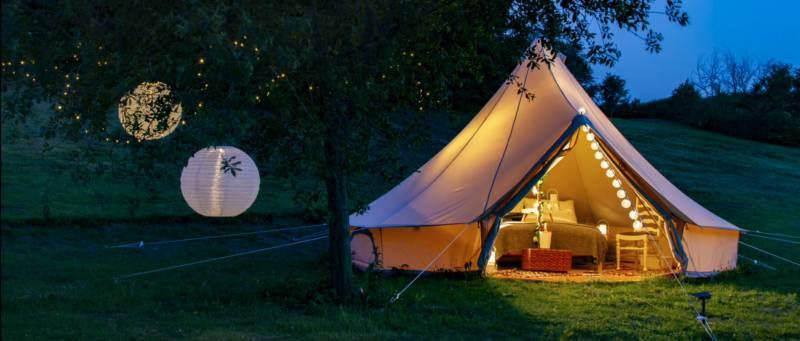 Luxury Bell tent by an idyllic Cheshire fishing lake