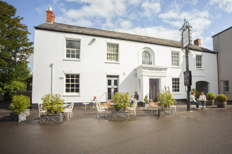 The Swan at Wedmore Cheddar Road, Wedmore, Somerset BS28 4EQ