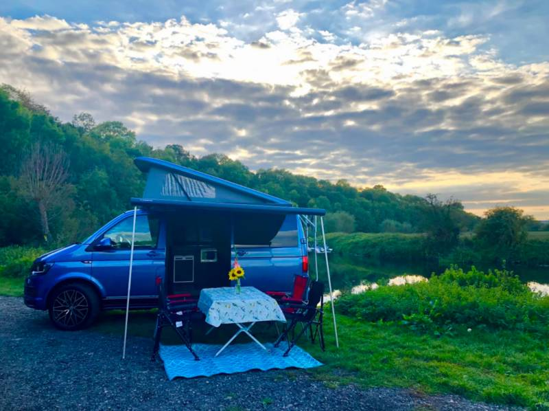 Camper Queens Manor Farm Barns, 5 Stratford Road, Honeybourne, Evesham, Worcestershire