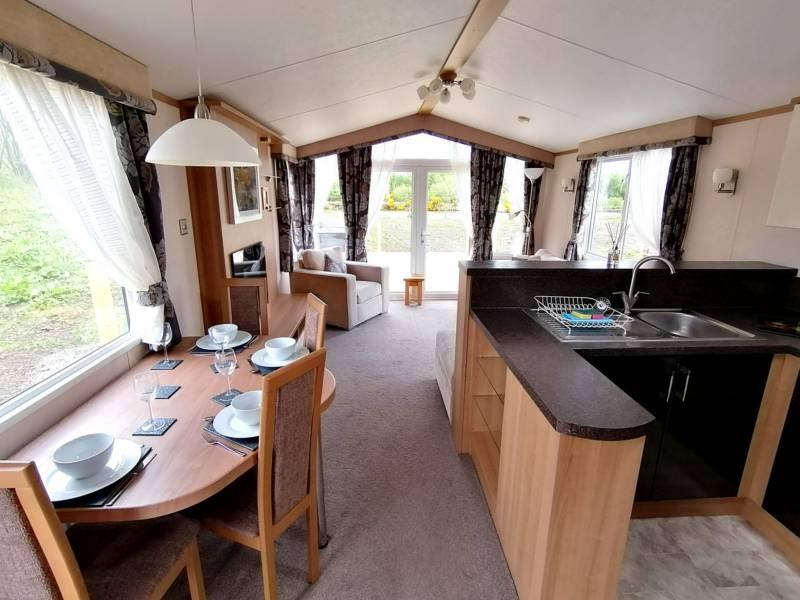 Oak - Static caravan with hot tub