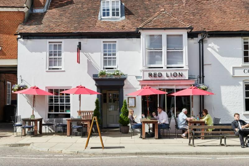 The Red Lion, Odiham 102 High Street, Odiham, Hampshire RG29 1LP