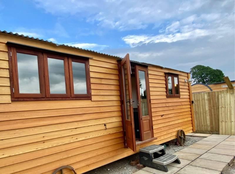 WILLOW - Luxury Shepherd's Hut
