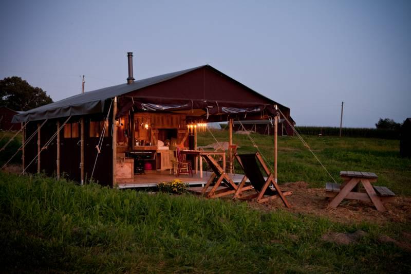 Canvas Lodge With Farmhouse Shower - sleeps 6