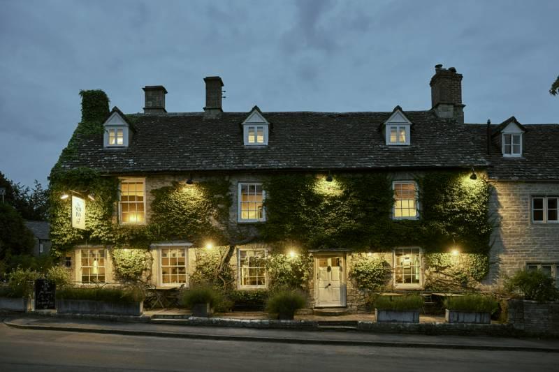 New Inn Coln St Aldwyns, Gloucestershire GL7 5AN