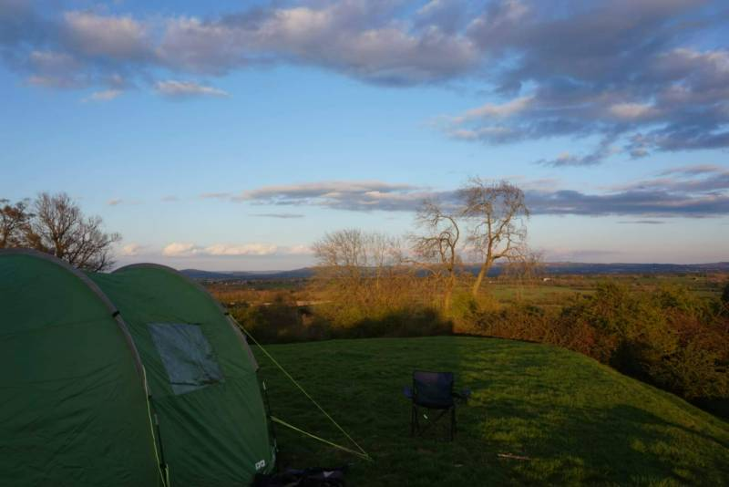 Non-electric grass pitch for tents