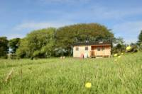 Fieldmouse Cabin with private facilities